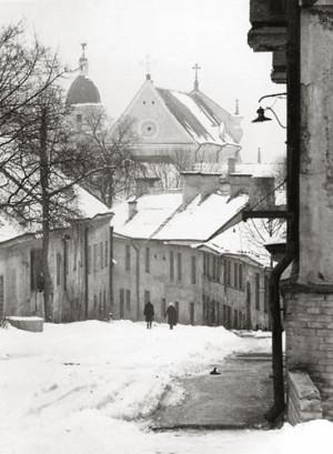 Arūnas Baltėnas / Vilnius. Lapų gatvė / 1987 / Autorinis sidabro bromido atspaudas / 29 x 20,7