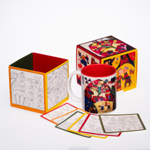 """Puodelis """"Nykštukas 3. Laumė"""" dėžutėje su spalvinimo kortelėmis"""