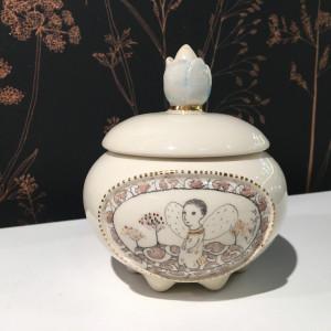 Autorinė keramika / Eglė Einikytė / Dėžutė balta / 2019