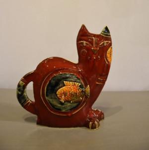 Katinas didelis raudonas su žuvyte