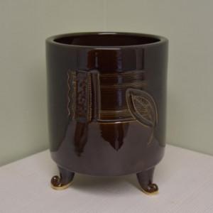 Įdėklas apvalus cilindras ant kojelių vidutinis rudas