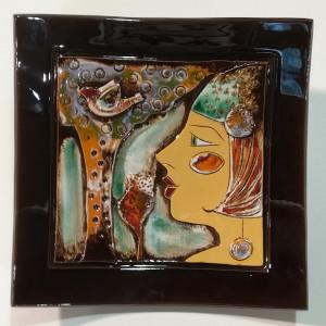 Dekoratyvinė lėkštė didelė su moters veidu ir medžiu ruda