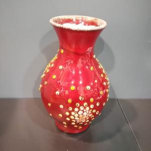 Vaza pūsta su burbuliukais vidutinė raudona