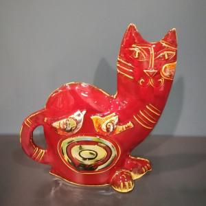 Katinas raudonas su paukšteliais