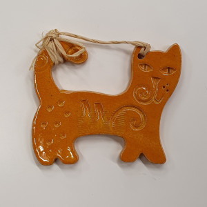 Katinai pakabinami maži geltoni
