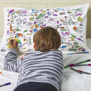"""Doodle pagalvės užvalkalas """"Pasaulio žemėlapis"""" 70 x 50 cm su spalvotais rašikliais"""