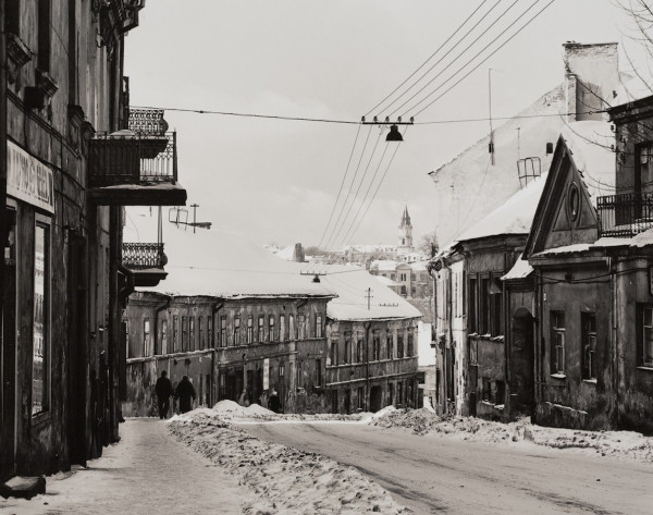 Arūnas Baltėnas / Vilnius. Užupio gatvė / 1996 / Autorinis sidabro bromido atspaudas / 22 x 29