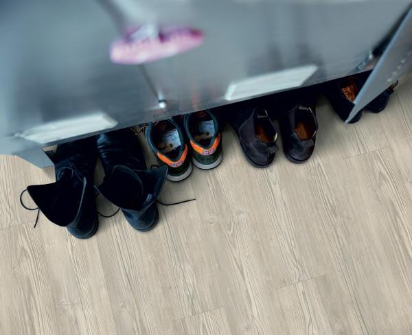 Vinilinės grindys Pergo, Chalet šviesiai pilka pušis, V2107-40054_1