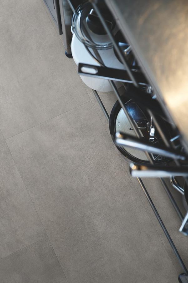 Vinilinės grindys Pergo, tamsiai pilkas betonas, V2120-40051_1